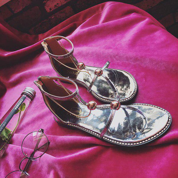 Легкие серебряные летние сандали для девушек
