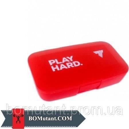 Pillbox Play Hard red TREC nutrition