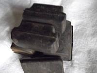 Оопоры  рессор  нижние верхние  и боковой упор  в к-те п а з-32053/054/