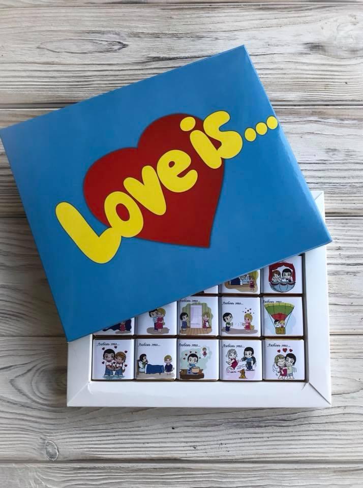 Шоколадний подарунковий набір LOVE IS... 100г