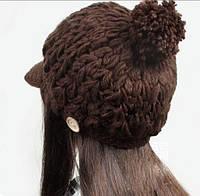 Шапка с козырьком вязаная коричневая