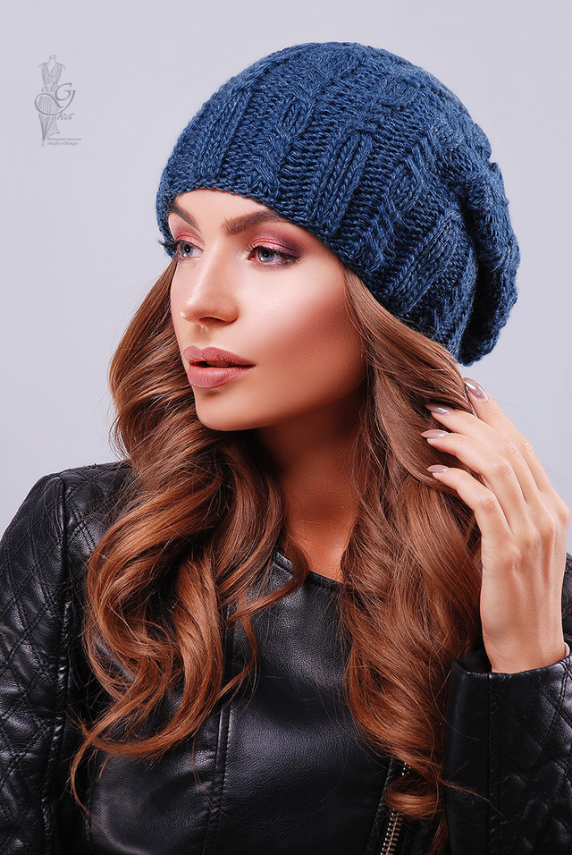 Цвет синий Вязаных женских шапок Ула