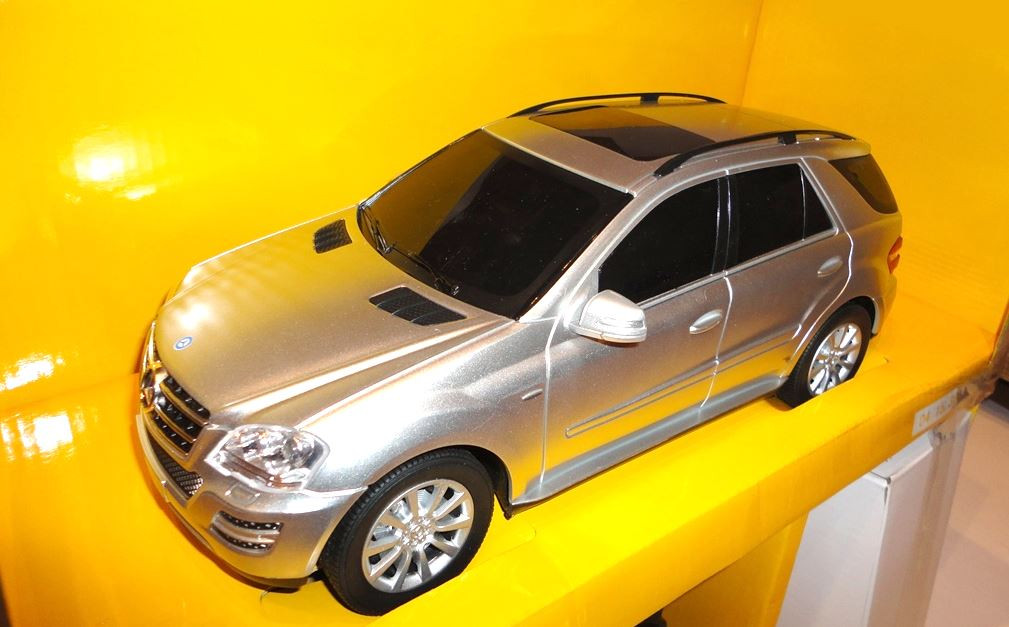 Машина на радио управлении Mercedes M-Class 1:24