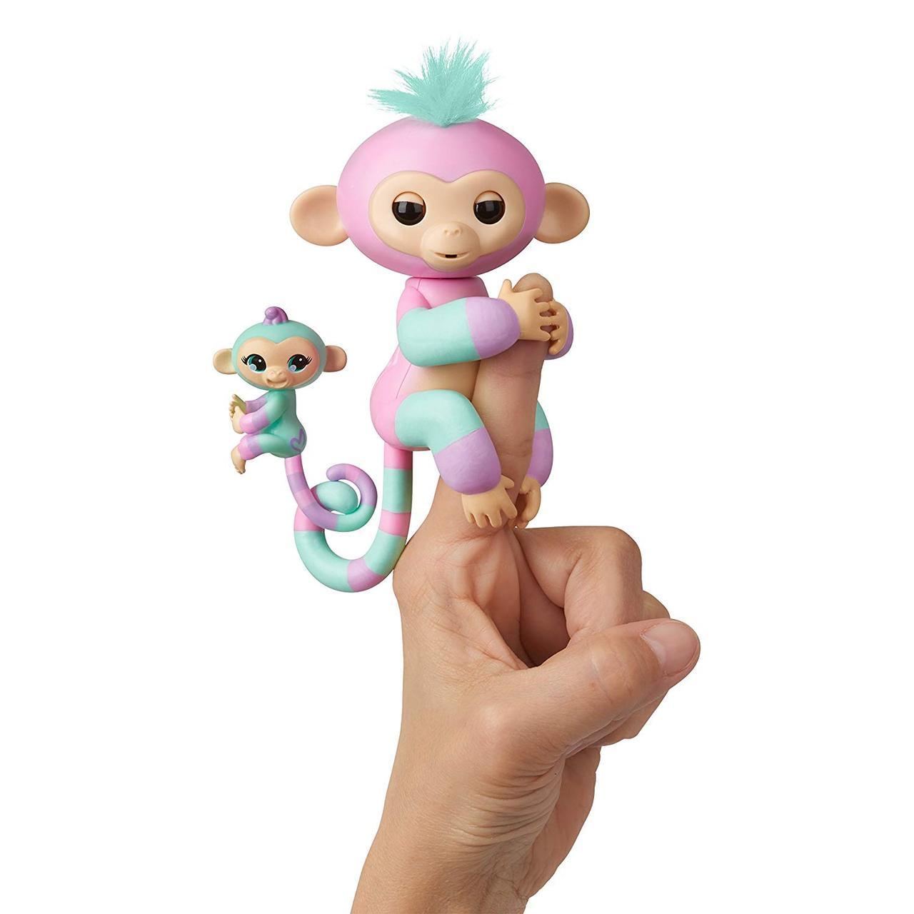 Интерактивная ручная обезьянка мама и малыш, Эшли и Шанс, WowWee Fingerlings Baby Monkey & Mini BFFs