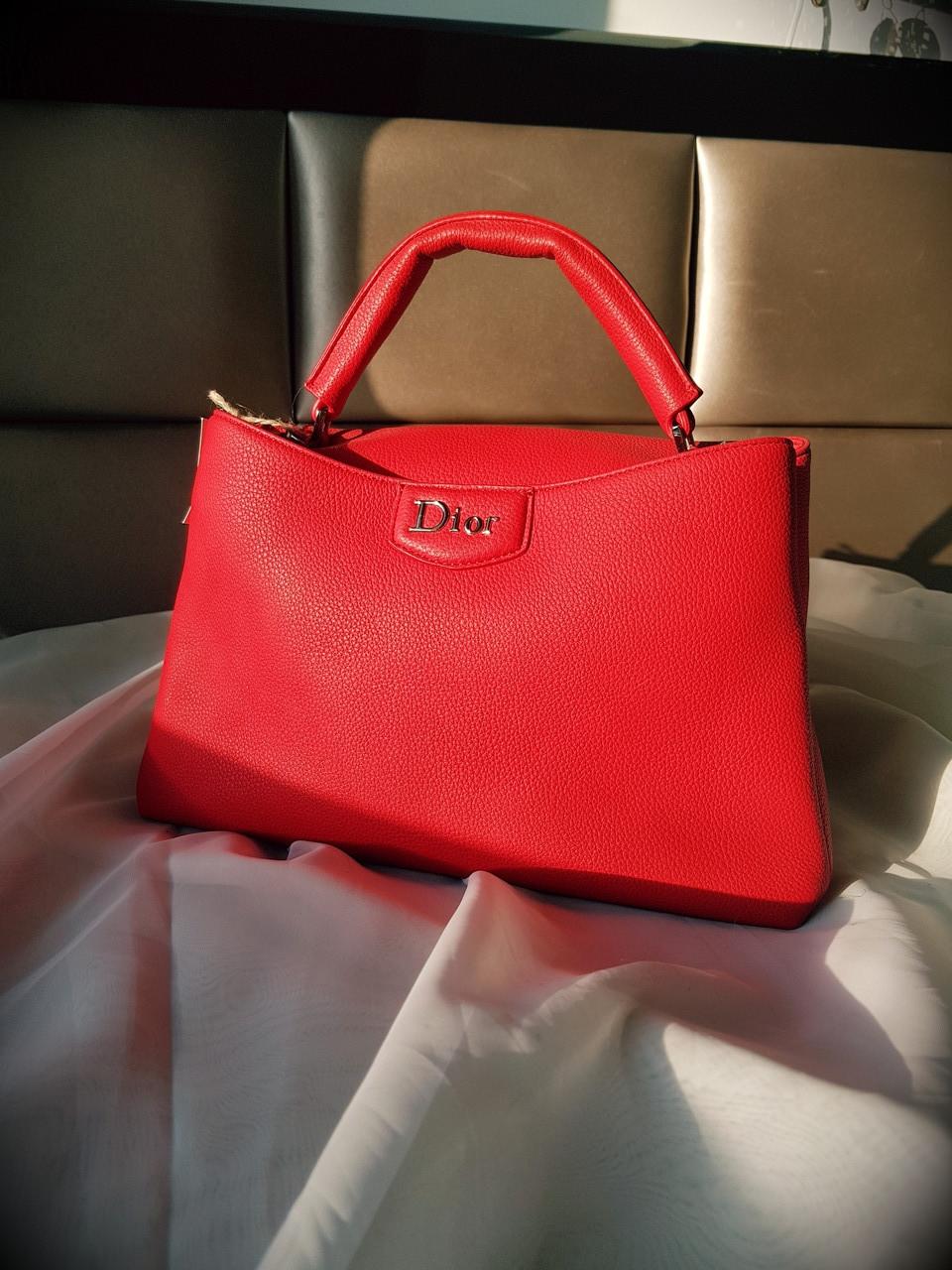 0d3a8a12ac1b Женская сумка Dior натуральная кожа красная - VOG Brand Shop / Изыскание  кожаные сумки, Брендовые