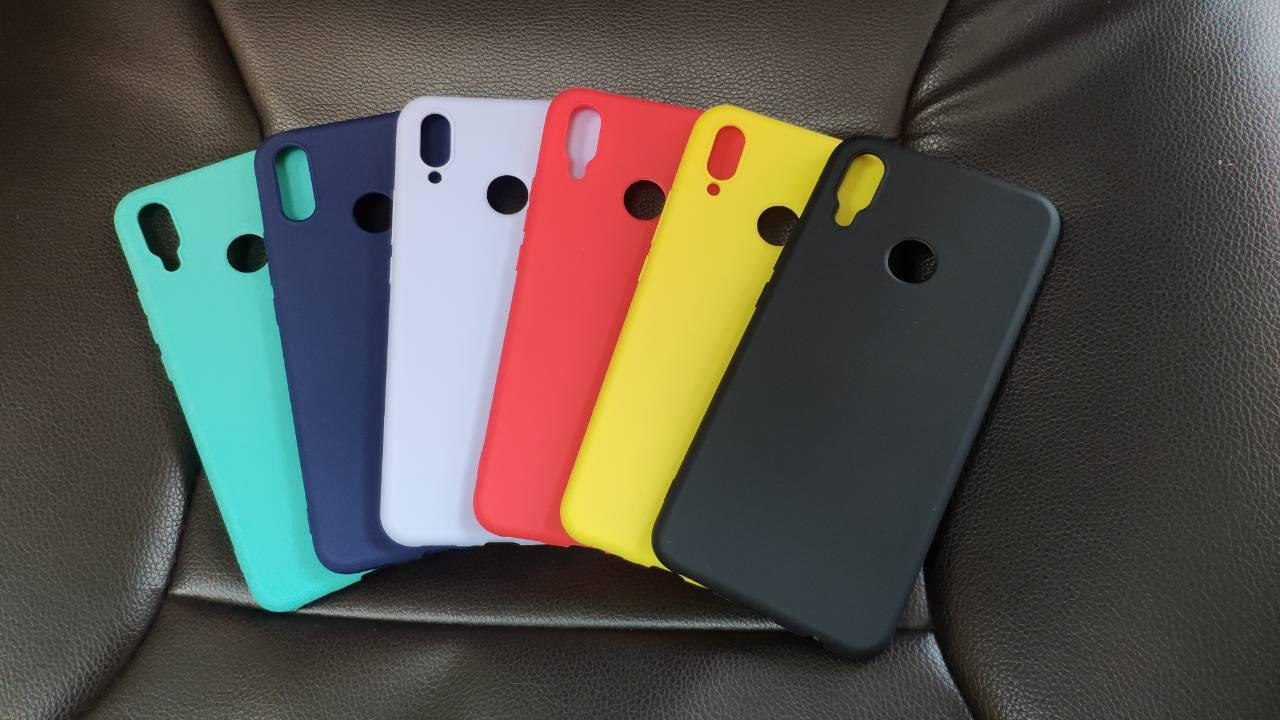 Цветной силиконовый чехол Huawei P Smart Plus Желтый