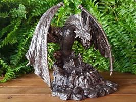 Колекційна статуетка Veronese Дракон, який охороняє скарби 75202A1