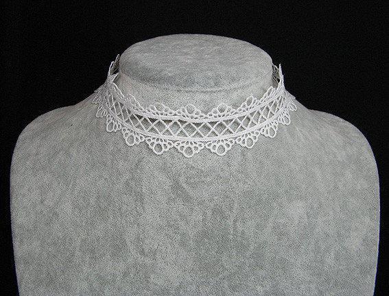 Белый чокер на шею из кружев