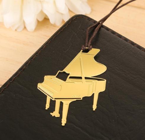 Музыкальная закладка для книги Рояль золотистый