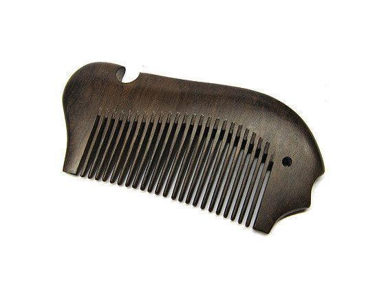 Натуральный гребень для бороды сандаловый фигурный