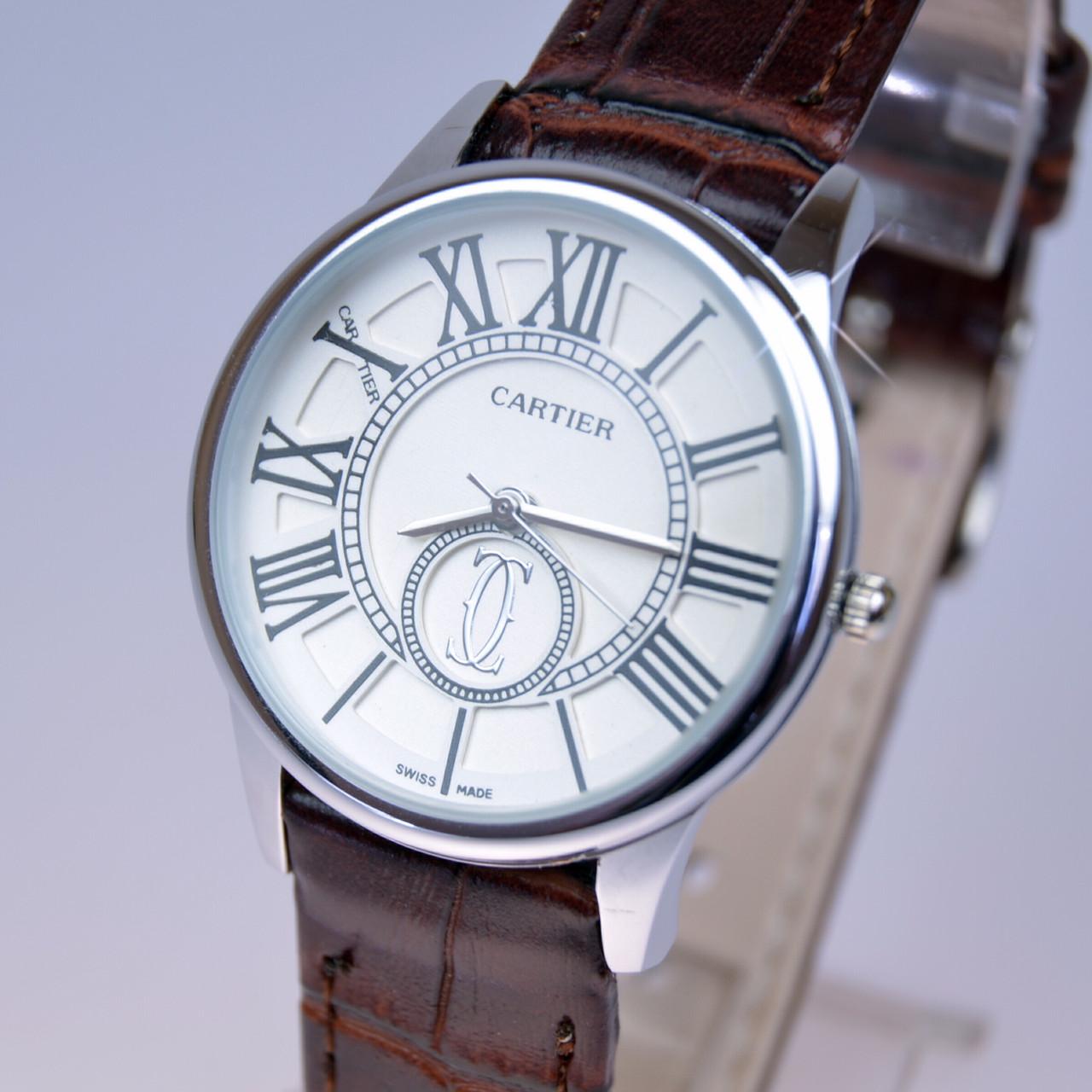 Женские наручные часы CARTIER