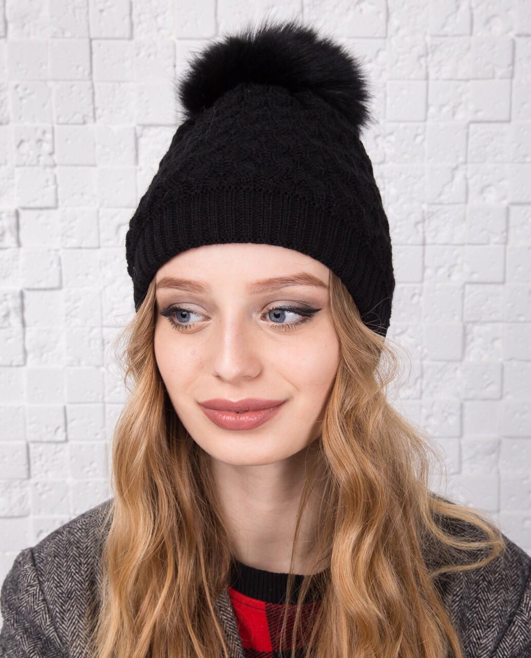 Вязанная женская шапка с меховым помпоном на зиму - Арт 12А (черный)