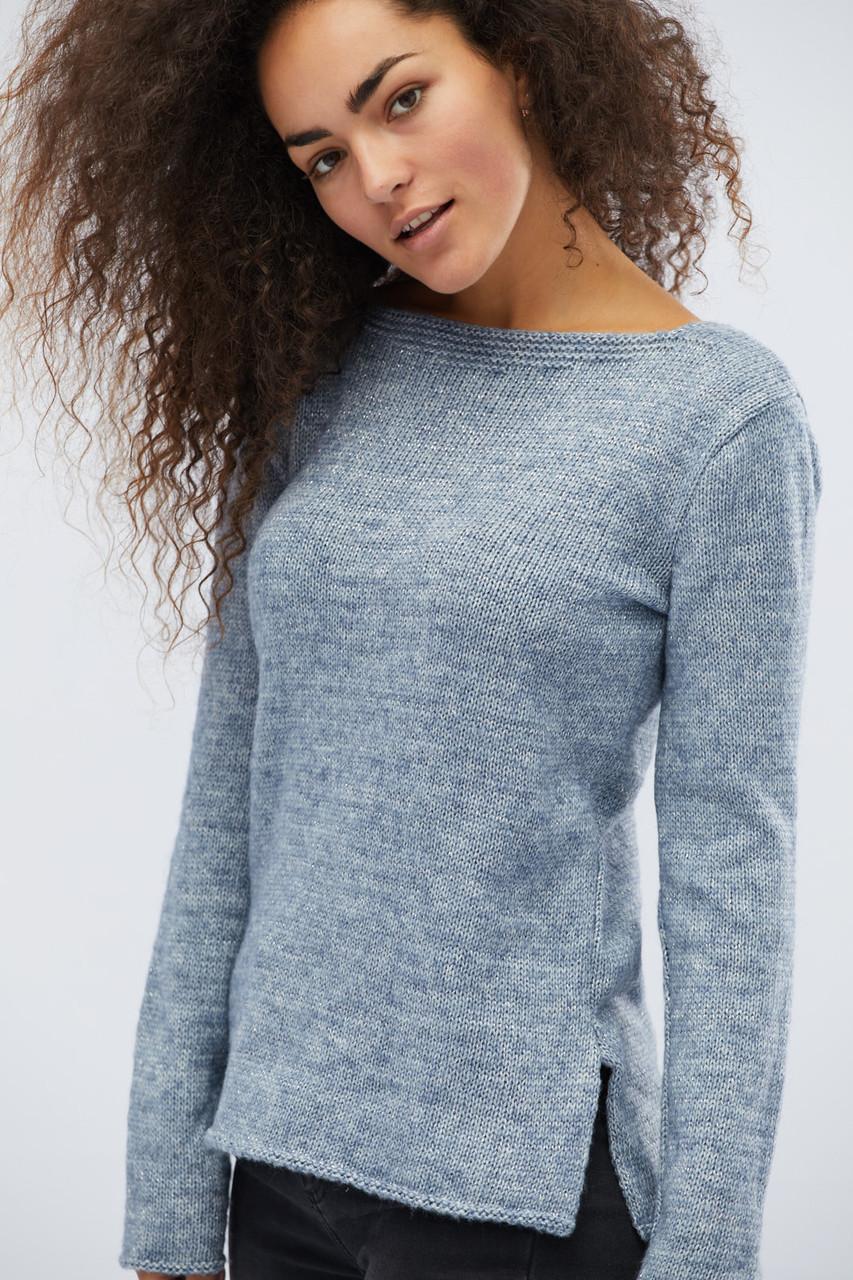 Женский трикотажный свитер голубой