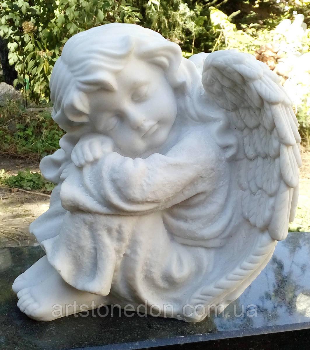 Скульптуры ангелов для памятников. Ангелочек из мрамора №16