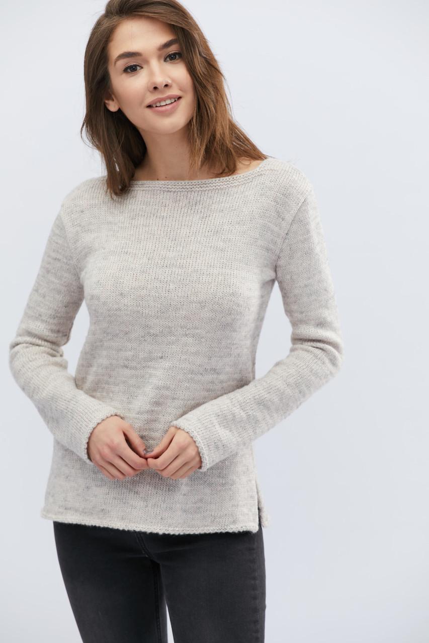 Женский трикотажный свитер светло-серый