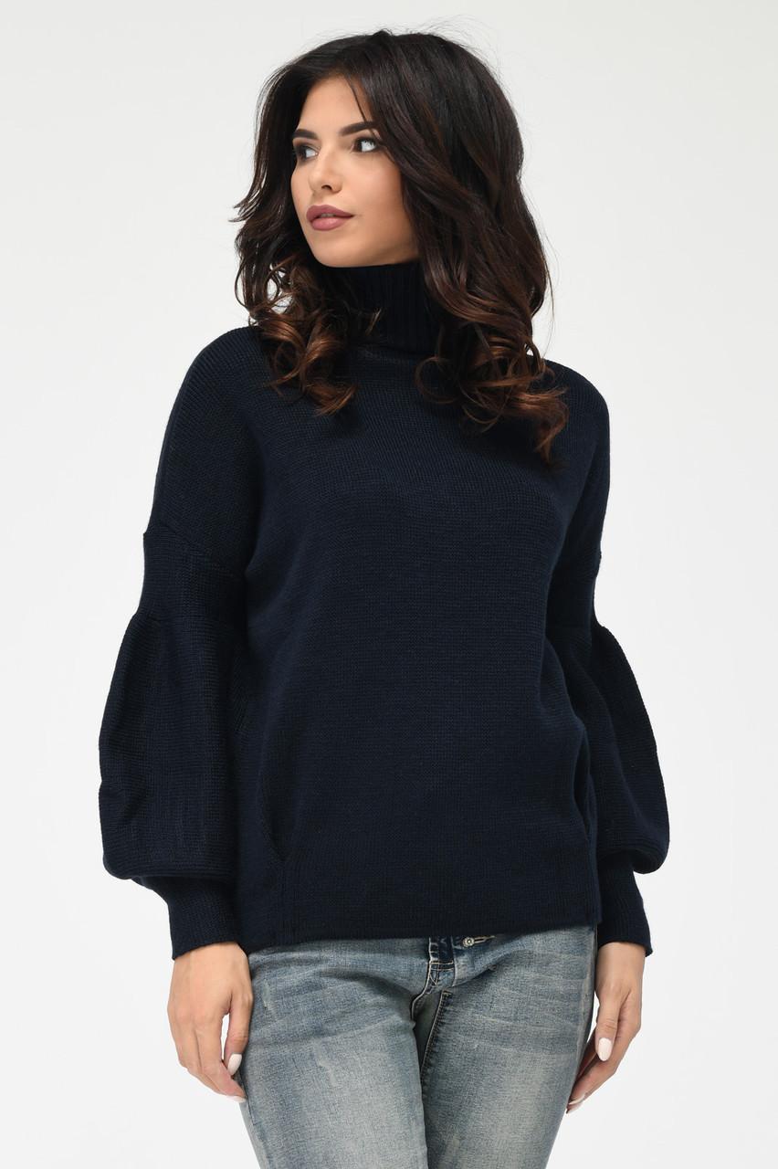 Теплый вязаный свитер под горло темно-синий