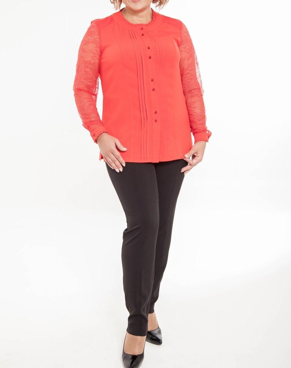 Блуза женская нарядная красная шелковая с гипюром большого размера 60