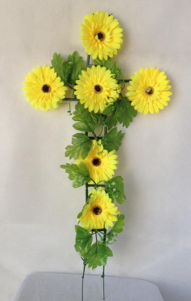 Крест с цветами ритуальный, гербера