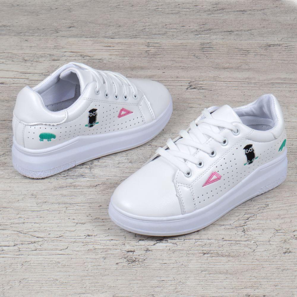 31a5d1edcd06 Слипоны женские кроссовки на платформе белые с патчами нашивками на шнуровке,  Белый, 38 -
