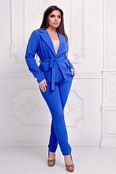Елегантний брючний костюм: піджак без застібки і прямі брюки з вилогами, полубатал
