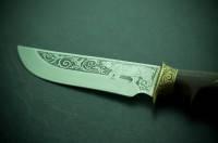Нож охотничий Спутник Медведь М с рисунком (ручная работа Украина), эксклюзивный, подарочный, кожаные ножны