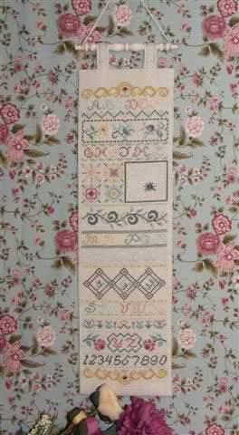 Схема для вышивки Rosewood Manor Victorian Good Luck