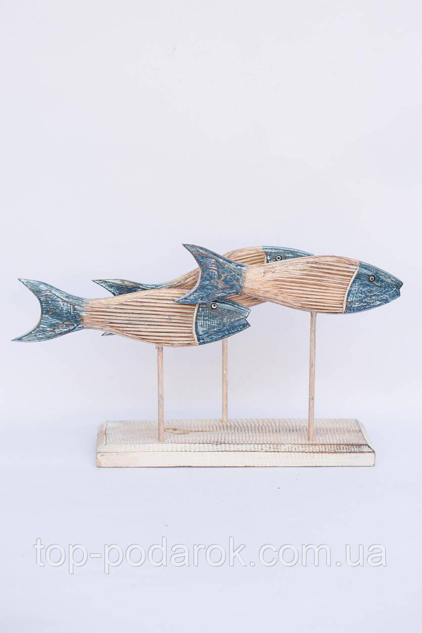 Три рыбы на подставке размер 40*25 см