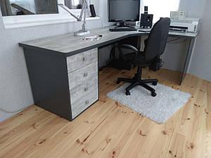 Комп'ютерні столи під замовлення за індивідуальними розмірами.