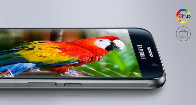 ДисплейSamsung Galaxy S6