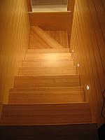 Лестница маршевая из хвойных пород древесины