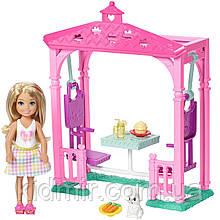 Кукла Барби клуб Челси Пикник в беседке Barbie Club Chelsea Picnic FDB34