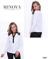 Жіноча біла блуза з софту доповнена кружевом