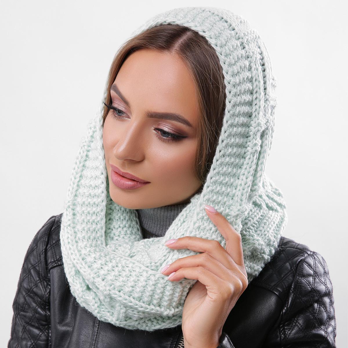 Стильный зимний шарф-хомут вязаный