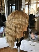 Женский волнистый парик из светлых натуральных волос