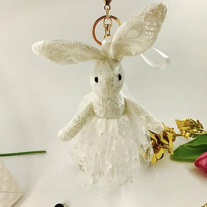 Брелок Кролик ажурный в юбочке