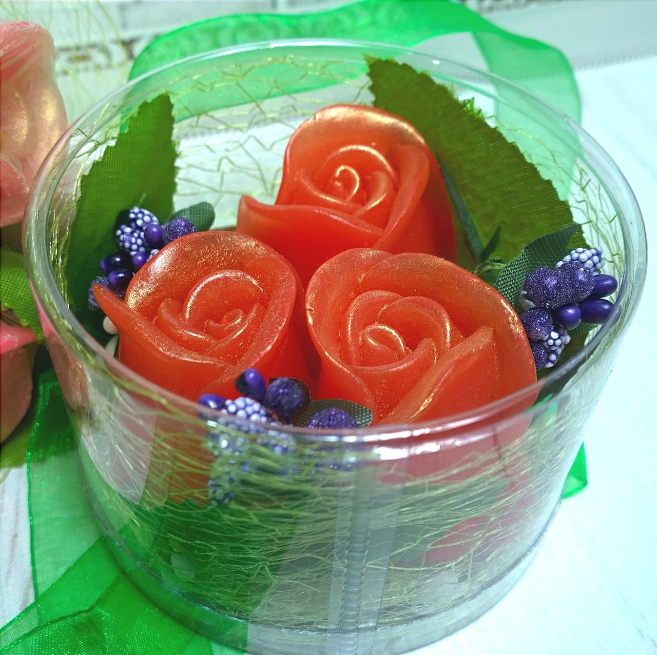 """Набор глицеринового мыла """"Розы с первоцветом"""""""