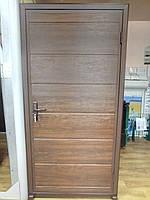 Дверь боковая входная гаражная из сендвич-панелей