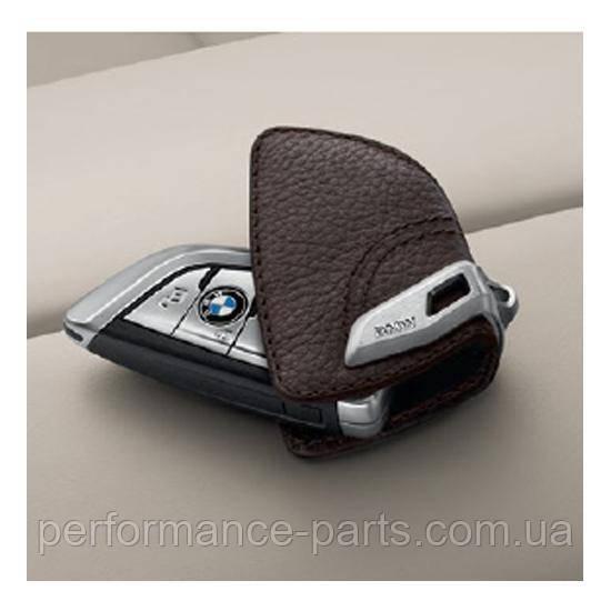 Кожаный футляр BMW для ключей со стальным зажимом, 82292408819. Оригинал. Кофейный цвет.