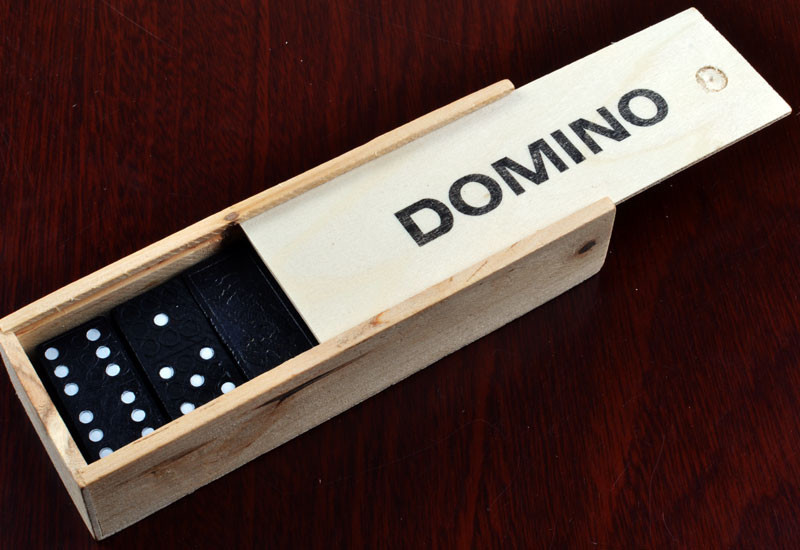 Доміно в дерев'яному пеналі 4007D