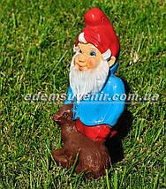 Садовая фигура Гном с оленем малый, фото 2