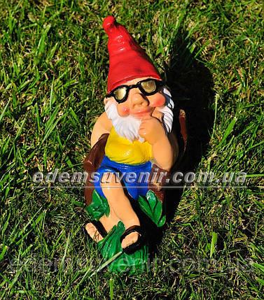 Садовая фигура Гном на отдыхе малый, фото 2