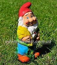 Садовая фигура Гном с колосьями малый, фото 3