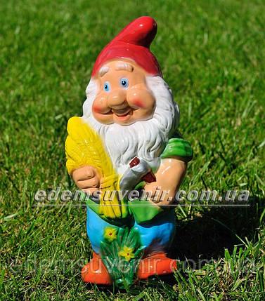 Садовая фигура Гном с колосьями малый, фото 2