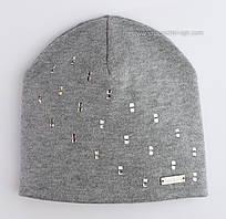 Теплая шапочка со стразами Саманта серого цвета