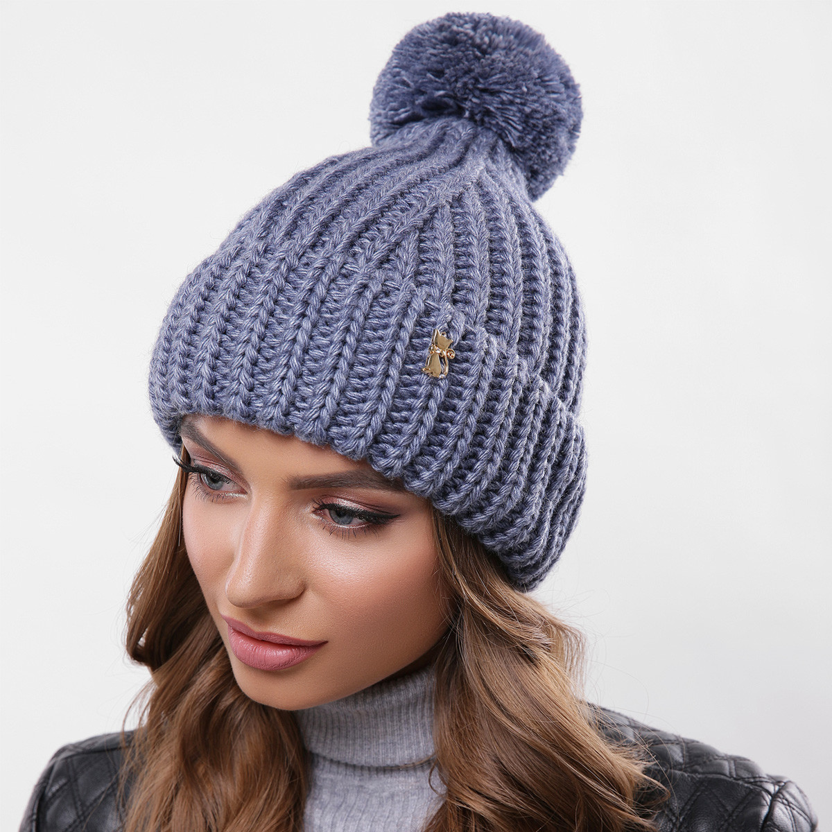 Шапка вязаная синяя теплая зимняя