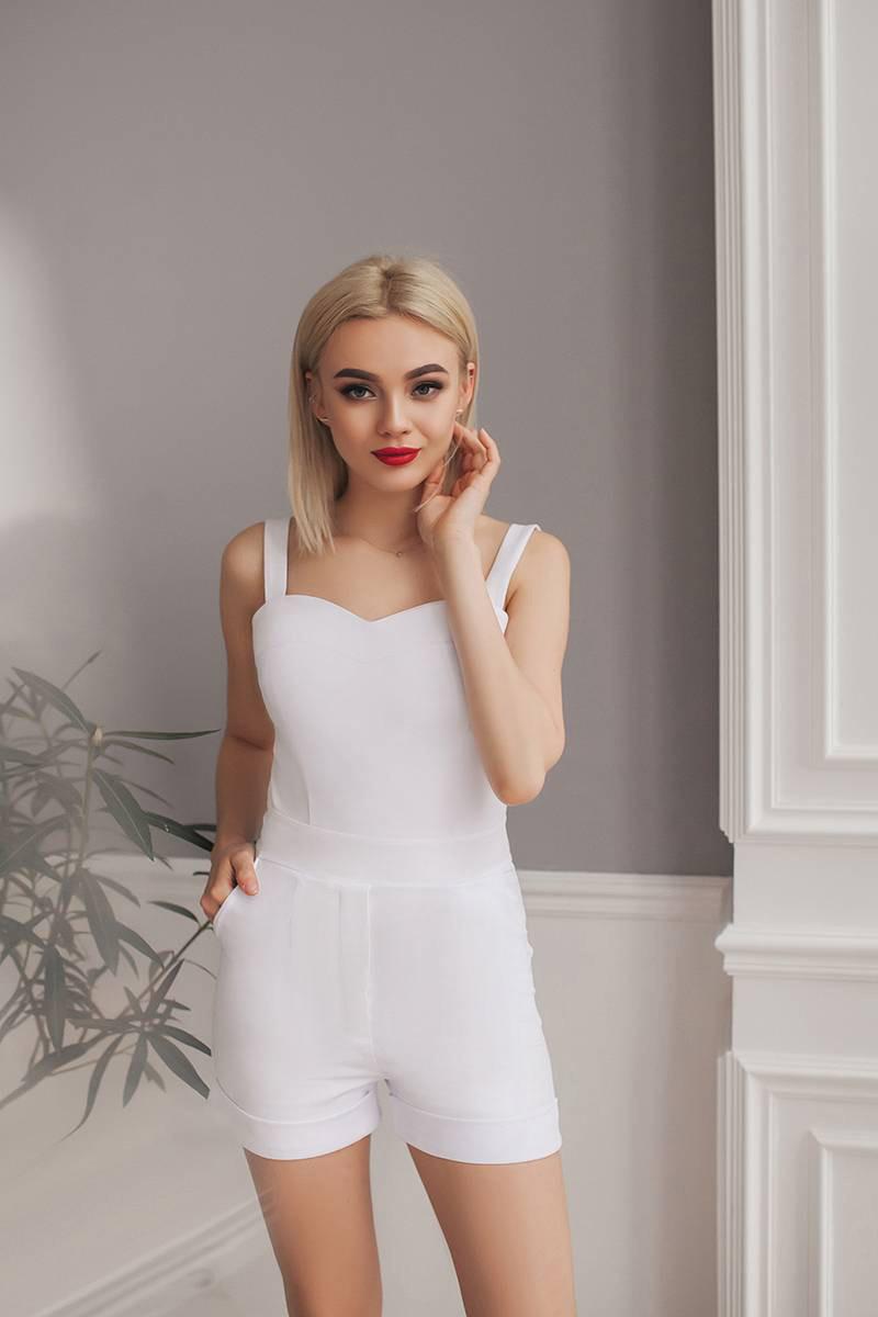 Комбинезон-шорты белый, арт.1005