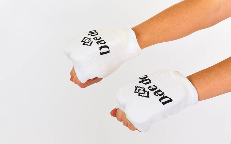 Накладки (перчатки) каратэ DADO MA-0009D-XS (PL, хлопок, эластан, р. XS, белый)
