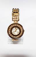 Женские часы на декоративном браслете в стиле Versace