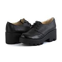 Женские черные туфли на тракторной подошве . Размер в наличии 36 37 40