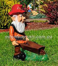 Садовая фигура Гном с тачкой, фото 3